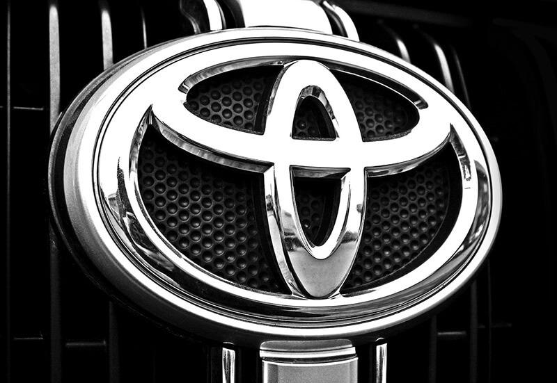 Como funciona o sistema de produção Just-in-Time da Toyota?