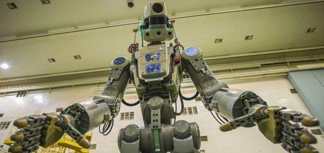 Robô russo especialista em armas voa para a ISS